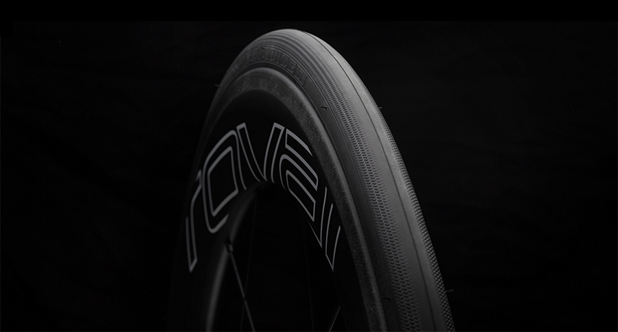 Roval CLX 64 wheels and S-Works Turbo Tyres